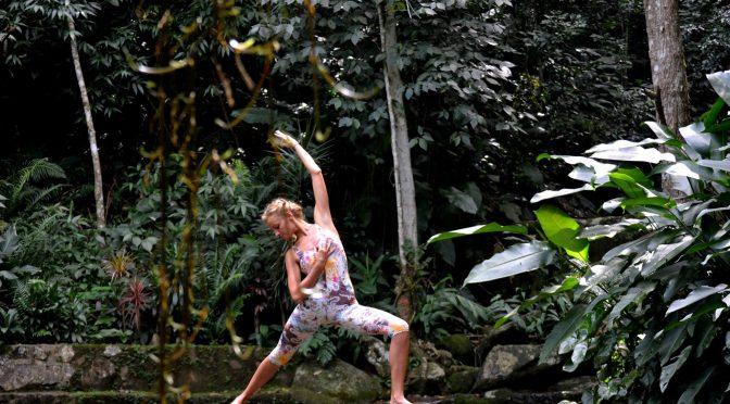 Quer praticar yoga e não sabe por onde começar? por Ana Paula Linhares