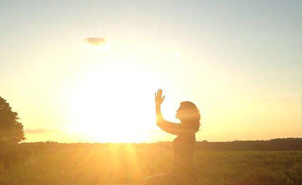 Yoga, um caminho de autoconhecimento por Tatiane Fernandes